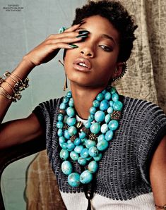As usual, a bunch of industry pawns did the One-Eye sign in the past weeks. Here's Willow Smith, who has been unfortunately doing almost since she was born.