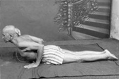 1972: Tirumalai Krishnamacharya .... #Krishnamacharya #yoga #hathayoga #yogahistory #india #ayurvedic #scholar #1970s