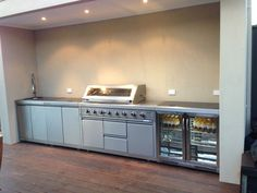 Get some inspiration for your Built In BBQ area, Come and talk to us about your Built in BBQ area. With a huge range of BBQ Outdoor Kitchens available. Outdoor Bbq Kitchen, Outdoor Kitchen Design, Outdoor Cooking, Outdoor Kitchens, Outdoor Entertaining, Modern Kitchens, Basic Kitchen, Family Kitchen, Bbq Area
