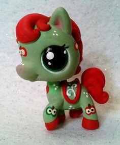 Applesauce Custom Lps, Lps Toys, Lps Littlest Pet Shop, Green Toys, Little Pet Shop, Childhood Toys, Awesome Stuff, Art Dolls, Claire