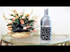 how to fabric decoupage wine bottle Diy Bottle, Bottle Vase, Bottle Crafts, Garrafa Diy, Diy Glasses, Bottle Painting, Gum Paste, Art Tutorials, Origami