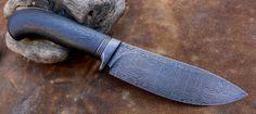 Damask knife, old oak, 6000 year Types Of Knives, Knives And Swords, Fixed Blade Knife, Knife Making, Knifes, Hunting, Hobbies, Steel, Design