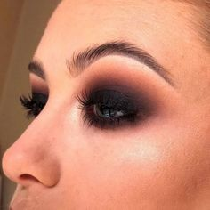 makeup looks Sultry Black smokey eye look by Tallaght mua 🖤 Perfect for yo. Sultry Black smokey eye look by Tallaght mua 🖤 Perfect for your Christmas party 🎄 Call your nearest store to book in for… Black Smokey Eye Makeup, Black Eye Makeup, Green Smokey Eye, Smokey Eye For Brown Eyes, Makeup For Green Eyes, Dark Smoky Eye, Black Makeup Looks, Dramatic Smokey Eye, Smoky Eyeshadow