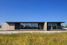 One-story Building of Nakatsu by Matsuyama Architects and Associates
