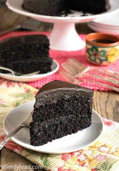 Nanny's Black Midnight Cake Creative Cake Decorating, Creative Cakes, Dark Chocolate Cakes, Chocolate Desserts, Hershey Chocolate, Delicious Chocolate, Cocoa Cake, Homemade Cakes, Sweet Bread
