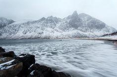 Foto: Årets siste dag (2016) på yttersia av Senja/Last day of the year (2016) on the coast of the island of Senja, Northern Norway.