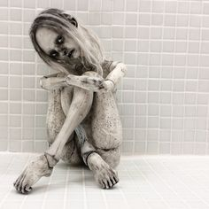 "Handmade artdoll ""Borderland"" #emiliesteele #konstfack #bjd #mentalillness #borderland #sculpture #artdoll #exhibition #doll"