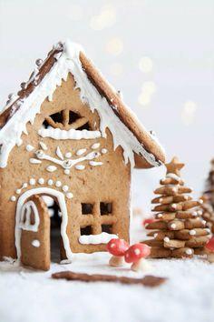 Christmas Gingerbread House, Noel Christmas, Merry Little Christmas, Christmas Treats, Christmas Baking, All Things Christmas, Winter Christmas, Christmas Cookies, Christmas Decorations