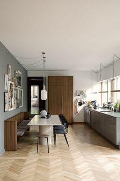 So wohnt Ferm-Living-Gründerin Trine Andersen in Kopenhagen Shabby Chic Dining Room, Dining Room Sets, New Kitchen, Kitchen Dining, Kitchen Ornaments, Appartement Design, Room Wall Decor, Cuisines Design, Küchen Design