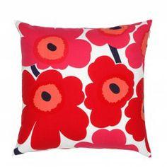 32,50 € #marimekko #pillow buy it on https://www.goodshaus.com/MARIMEKKO-Kissenbezug-Pieni-Unikko-50X50cm-Weiss-Rot