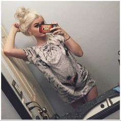 White Tiger T-shirt Never worn! New with tag! Nasty Gal Tops Tees - Short Sleeve