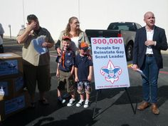 Jennifer Tyrrell delivers 300k signatures to Boy Scouts calling for end to anti-gay ban