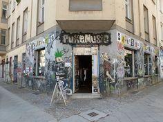 Pukemusic - Berlin - Germany | More Record Stores: https://www.platendraaier.nl/platenzaken/