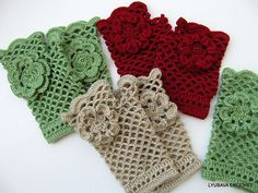 http://www.ravelry.com/patterns/library/fingerless-gloves-with-flower-tutorial #crochetgloves #crochetpattern #crocheting