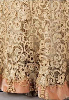 Antique Lace Detail