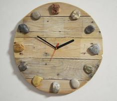 Clock Craft, Handmade Clocks, Clock Shop, How To Make Wall Clock, Into The Woods, Driftwood Crafts, Wood Clocks, Rustic Design, Wood Pallets