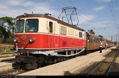 Net Photo: Untitled at Obergrafendorf, Austria by Tomas Votava Rail Europe, Electric Locomotive, Bahn, Ell, Austria, Trains, Paths, Locomotive, Travel Destinations