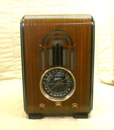 Old Antique Wood Zenith Vintage Tube Radio - Restored & Working Black Dial. eBay auction ends tonight at 10:30 eastern!