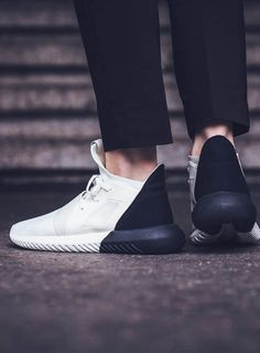 Tubular Defiant in off-white & black!