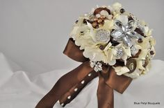Tuxedo Bouquet in Mocha and Cream by Blue Petyl #bridal #bouquet