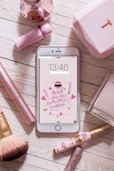 Pink Love, Pretty In Pink, Natacha Birds, Rose Gold Aesthetic, Aesthetic Makeup, Tout Rose, Accessoires Iphone, Flat Lay Photography, Everything Pink