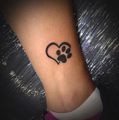 Pfotenabdruck Tattoos