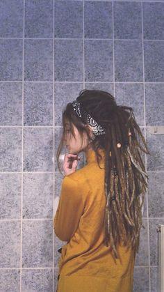 hippie hair 709809591256259138 - Rasta hippy dreads dreadlocks Source by Hippie Dreads, Hippie Hair, Dreadlocks Chignon, Dreadlocks Girl, Extensions Ombre, Dreadlock Extensions, Half Dreads, Partial Dreads, Dreads Styles