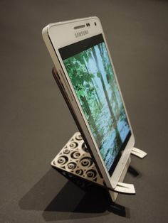Wooden smartphone stand.  Wooden mobile phone desktop display stand holder by AndedCrafts.