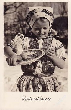 KROJE - DĚVČE A MALOVANÉ VAJÍČKA - 6-WQ. (5447854217) - Aukro - největší obchodní portál European Countries, Egg Decorating, Vintage Pictures, Czech Republic, Fashion History, Easter Eggs, Portal, Roots, Ethnic