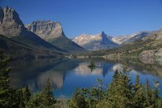 Drive the Going-to-the-Sun Road, Glacier National Park, Montana Wonderful Places, Beautiful Places, Places Ive Been, Places To Go, Rock Climbing, Wonders Of The World, Montana, Travel Destinations, National Parks