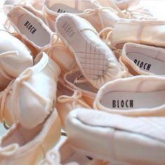 Take your love for ballet everywhere with our Bloch pointe shoe key ring,
