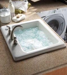 29. 在洗衣室放一個洗水槽,可以方便你洗貼身衣物。