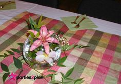 Decorating for a spring event is great when you can use real flowers from your yard or those of friends--check out this spring large group luncheon décor.