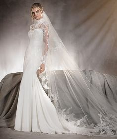 Ariella - Wedding dress in gauze and tulle with lace on the sleeves and neck