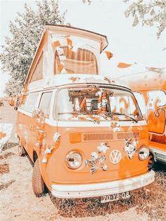 Orange Aesthetic, Aesthetic Colors, Aesthetic Images, Aesthetic Collage, Retro Aesthetic, Aesthetic Photo, Summer Aesthetic, Aesthetic Pastel Wallpaper, Aesthetic Backgrounds