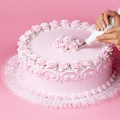 How to Adding Tuk-N-Ruffle to Cake Boards