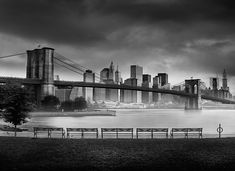 """Photo by Jean Michel Berts portraitist of cities specializing in black and white photos. Photo of the book """"Light of New York"""" Ed: Assouline Brooklyn Bridge New York, Famous Landmarks, Best Artist, City Lights, Central Park, Golden Gate Bridge, New York City, New York Skyline, Nyc"""