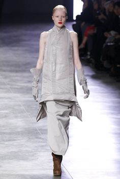 Rick Owens Fall 2011 Ready-to-Wear Fashion Show - Agnes Karlsson (OUI)