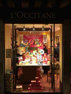 Vitrine Window Display L'Occitane interactive (roue tournante...)  Venise