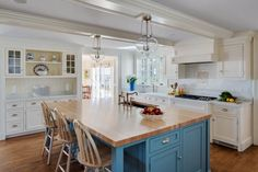 Cozy Blue and White Cottage Kitchen - Harbor View Portico Design, White Cottage Kitchens, Architectural Elements, Kitchen Remodel, Contemporary Living, Cottage Kitchen, Kitchen, Country Style House Plans, Great Rooms