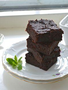 Guilt Free Vegan Sweet Potato Brownies (sub for clean ingredients: sweetener, salt, chocolate)