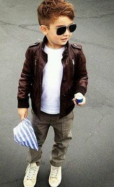 ·. ¸ƙỈɗʂ.¸¸.  ƒαʂɦỈσɳ Browns leather jackets,white tshirt, street style little boy.