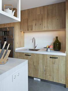 Molins Interiors // arquitectura interior - interiorismo - decoración - cocina - kitchen - fregadero - almacenaje - storage - roble - oak - madera - wood - rústico - picturesque