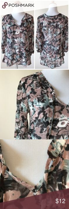 Petticoat Alley Printed Blouse This label is sold at Modcloth & Macys. Great condition. One small fuzz at v neck part, hardly noticeable otherwise excellent condition. 100% polyester.⭐️ Petticoat Alley Tops