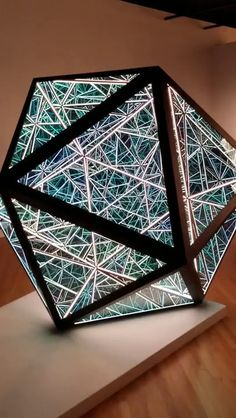 Infinite Mirror, Wow Video, 3d Mirror, Paper Architecture, Artistic Installation, Glass Boxes, Cool Inventions, Light Art, Diy Art