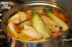 Once you make such broth and you will always be. A way for the chicken to give Przepisy kulinarne Soup Recipes, Chicken Recipes, Cooking Recipes, Fun Easy Recipes, Easy Meals, Good Food, Yummy Food, Cream Soup, Polish Recipes