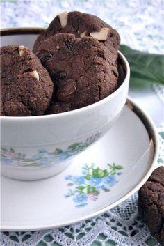 Гречневое печенье с изюмом и арахисом