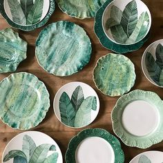 Enhancements for Inside Designs with Ceramics Pottery Painting, Ceramic Painting, Ceramic Art, Ceramic Tableware, Ceramic Pottery, Keramik Design, Paint Your Own Pottery, Hand Painted Plates, Metal Magazine