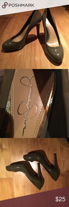 Jessica Simpson Heels worn once! Gray&Green color! Size 10, worn once & extremely comfortable, easy to pair with business attire or a night on the town! Jessica Simpson Shoes Heels