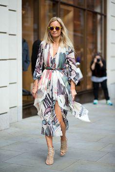 Cómo usar los vestidos fluidos de manga larga | Long Sleeved dress #streetstyle